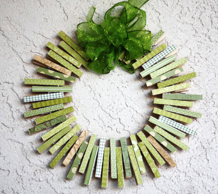 Cute diy st patrick 39 s day wreaths page 6 of 6 the for Clothespin crafts for adults