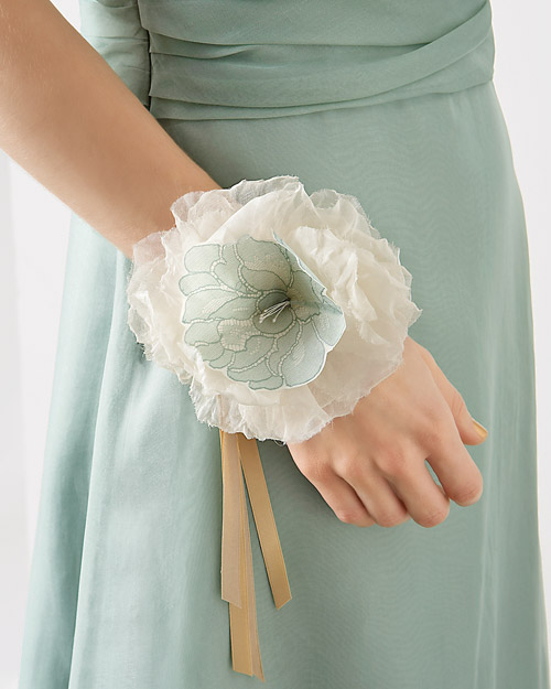 Wedding Flowers And Corsages : Diy prom or wedding corsages the frugal female