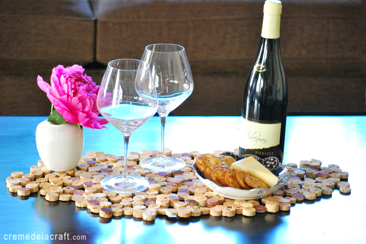 Diy cork tile placemat the frugal female for Cool wine cork projects